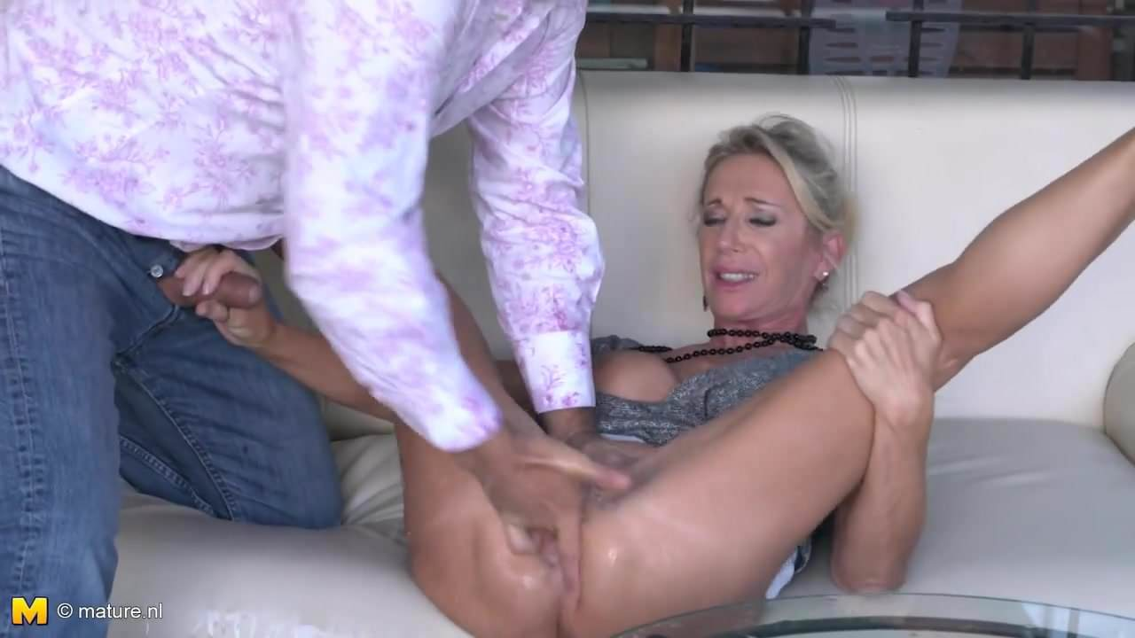 Free download & watch posh mature josefine squirts and fucks like whore         porn movies