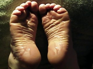 Wide Soles Lin S Wrinkles Take A Load