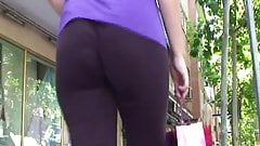 Candid big ass milf from gluteus divinus