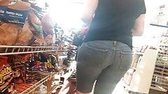 Thick big booty milf