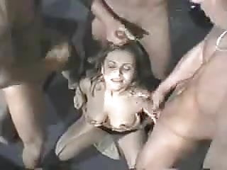 Sperma Gangbang Cocktail in a Bar
