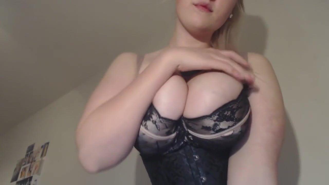 Ass bend naked woman
