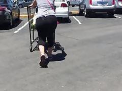 Big Plump Ass in Lycra Leggings Cougar