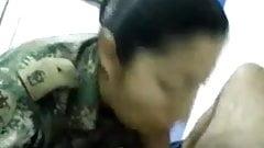 mujer gendarme doldado colombiana la mama muy bien