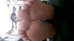 Caught milf feet