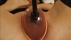 Woman Pumps up her Pussy then uses Vibrator & Fingers