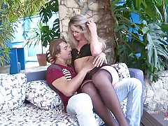 TS blond small tits big cock fucking and get fucked by muscg