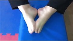 Chrysa moves her sexy (size 38) feet