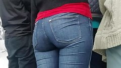 Ass in anticipation of fast food