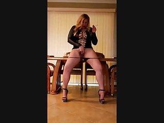 Smoking fuck hole fingering her cumming dump