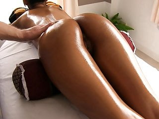 Download video bokep Gorgeous Asian ass oiled and massaged Mp4 terbaru