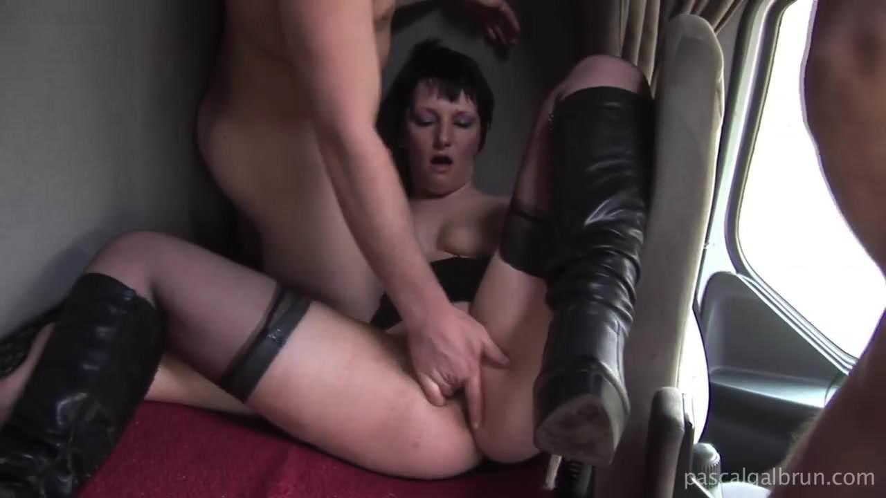 Wife films her best friend