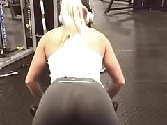 Incredible Fit Gym Chick!! Didnt notice me