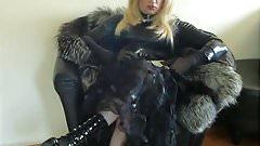 Smoking Mistress in fur