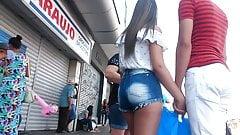 Gostosinha shortinho jeans