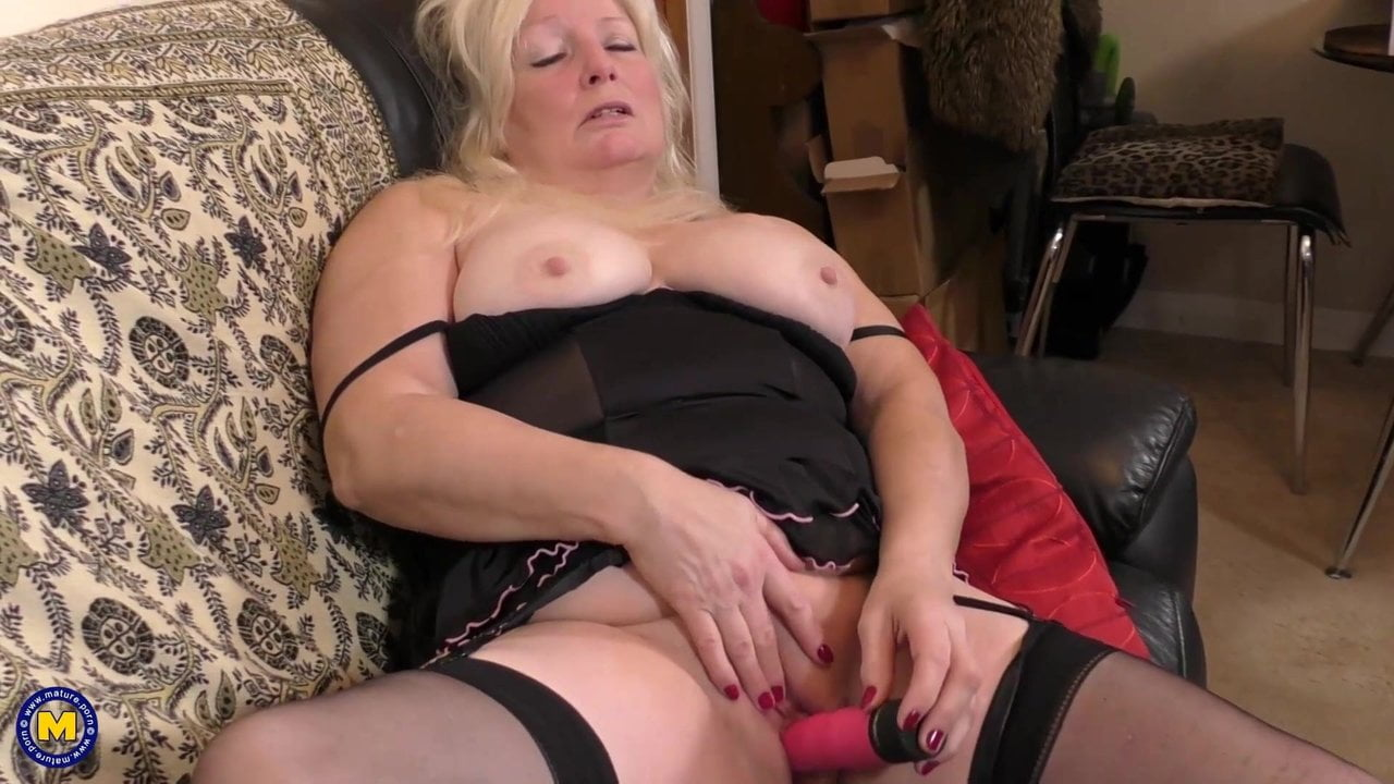 Free download & watch british mature aunt cindy need a good fuck          porn movies