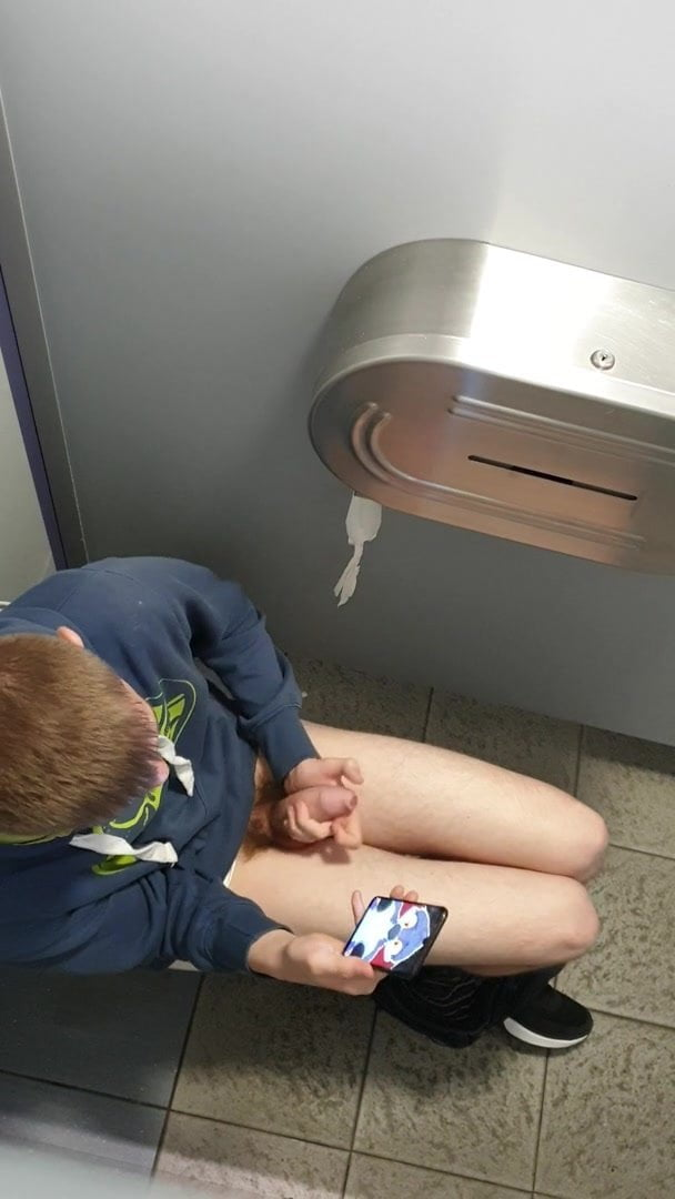 Bathroom lad having enjoyable..