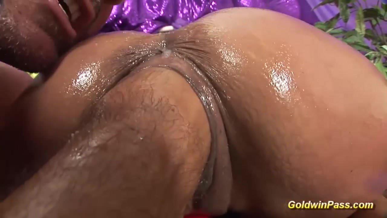 ακραίο anul πορνό πίπα χρησιμοποιώντας τα δόντια