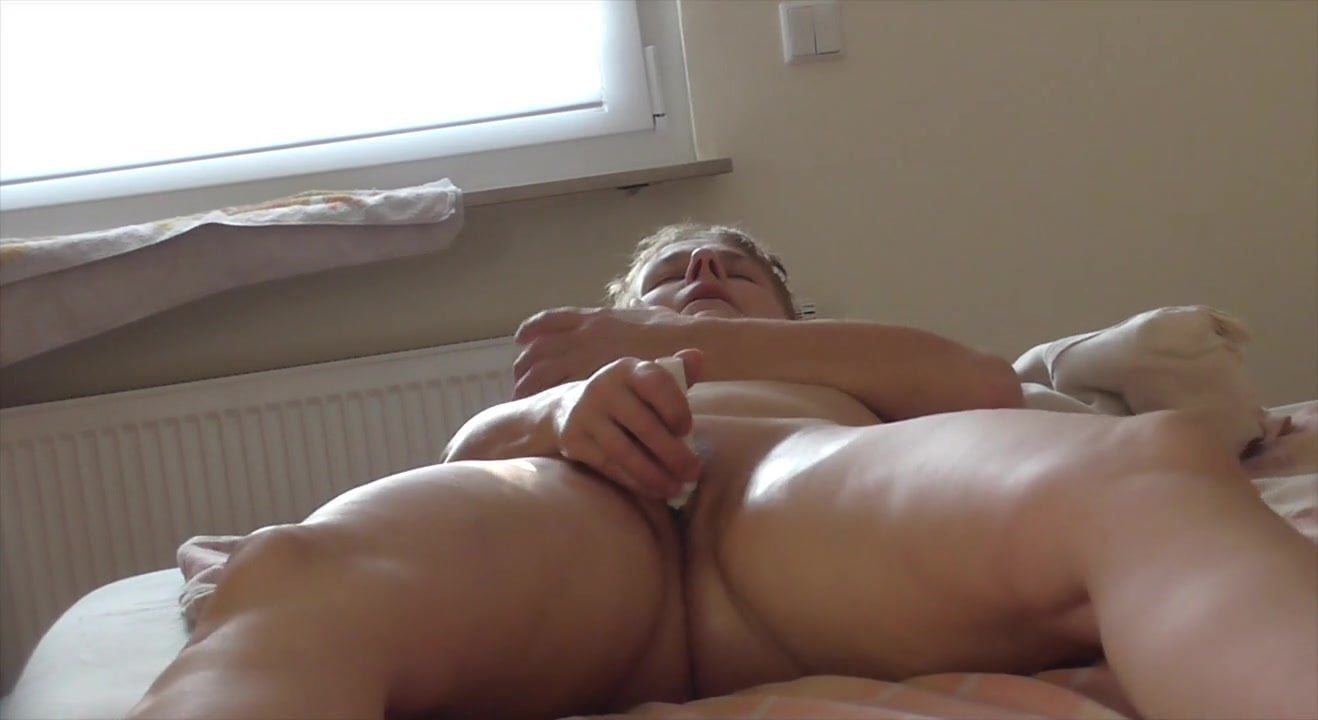 orgasm-spy-hidden-massage-cam