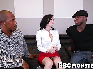 Preview 1 of Squirting MILF Veronica Avluv takes care of two black dongs