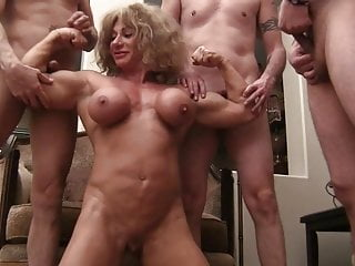 Muscle bitch Queen (1 of 4)