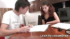 Jeune etudiante francaise prefere le cul que les etudes