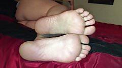 Baby momma size 7.5 very sweaty stinky feet