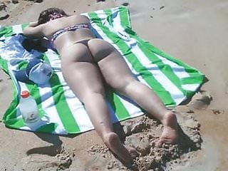 Candid smooth Ass on the beach part 1