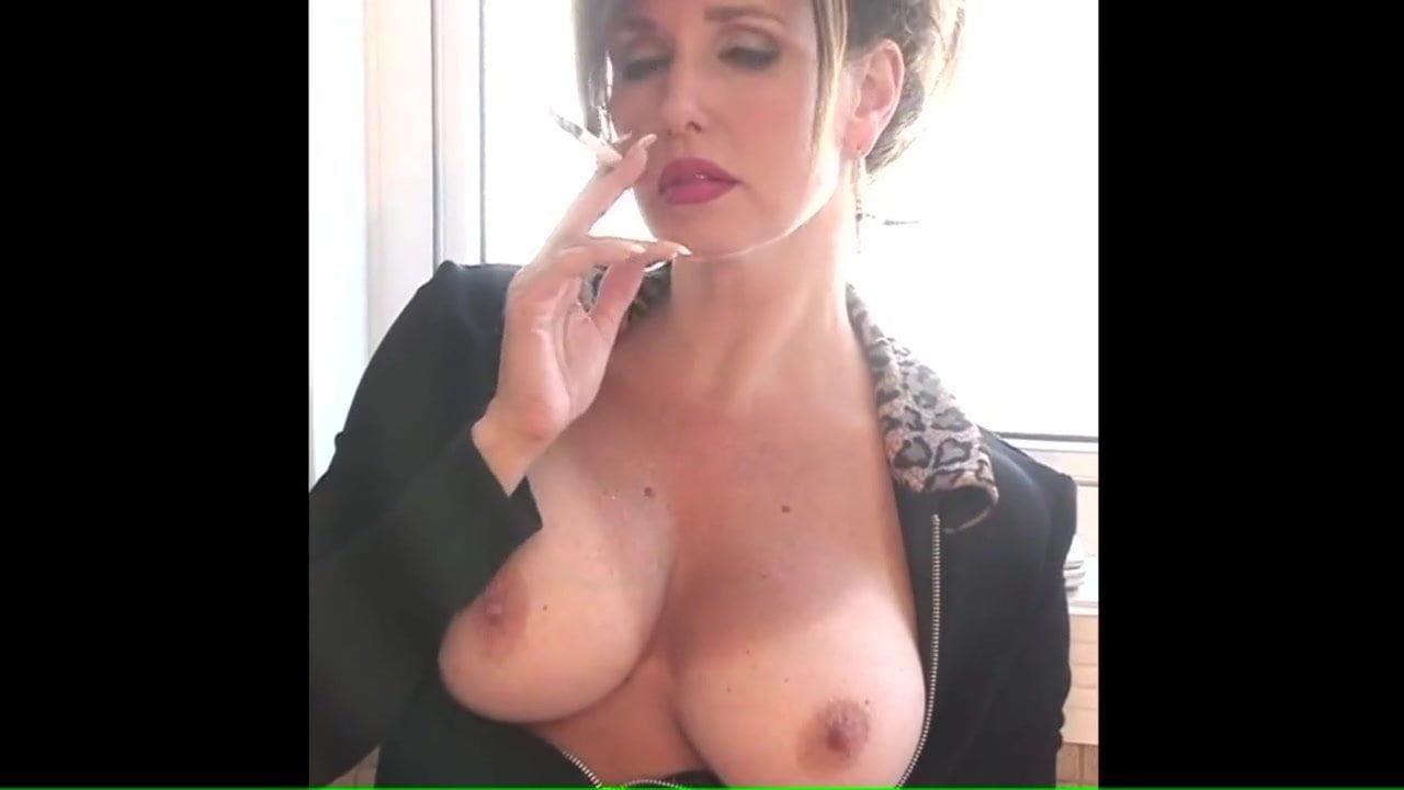 Nice Mature Smoking Big Tits, Free Free Smoking Hd Porn Ff-7423
