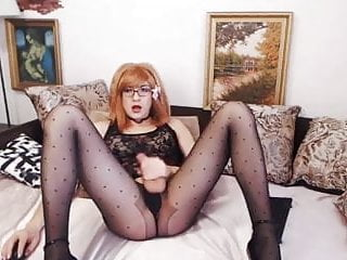 Hot Nerdy Shemale Jerking on her Big Dick