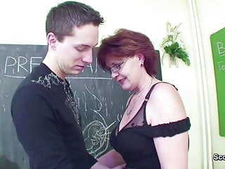 Female Sex Teacher Seduce Young Boy to Fuck her MILF Pussy