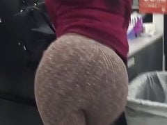 PHAT ASS NO PANTIES JIGGLY BOOTY BENDING OVER pt1