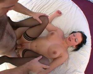 Elle a souvent de fortes excitations sexuelle!