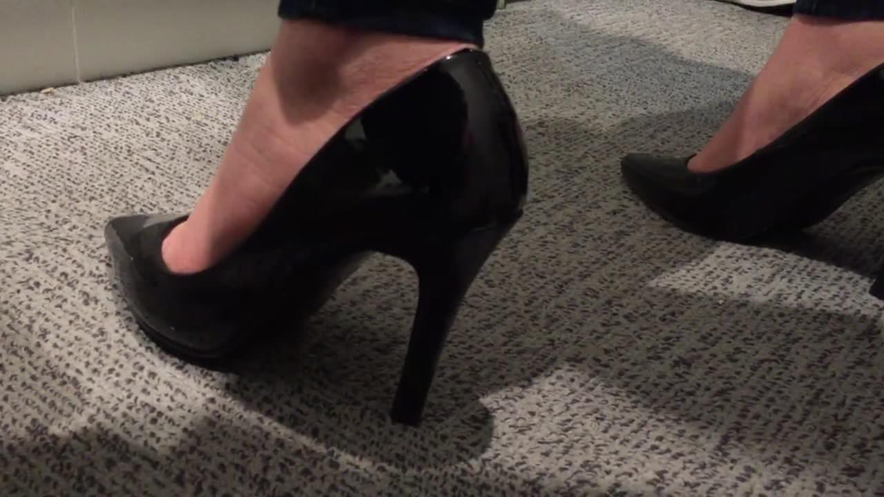 Stories cum in her shoe