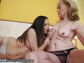 21Sextreme Granny Licks Fresh Teen Pussy