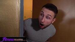 Fitness Rooms Cherry Kiss and Elizabeth Romanova double blow
