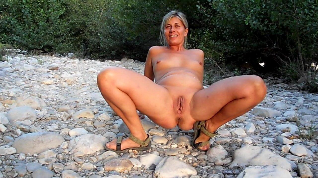 Outdoor Pee Porn