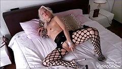 LISA MONTI e il suo letto seducente