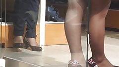 Spy mature legs in pantyhose
