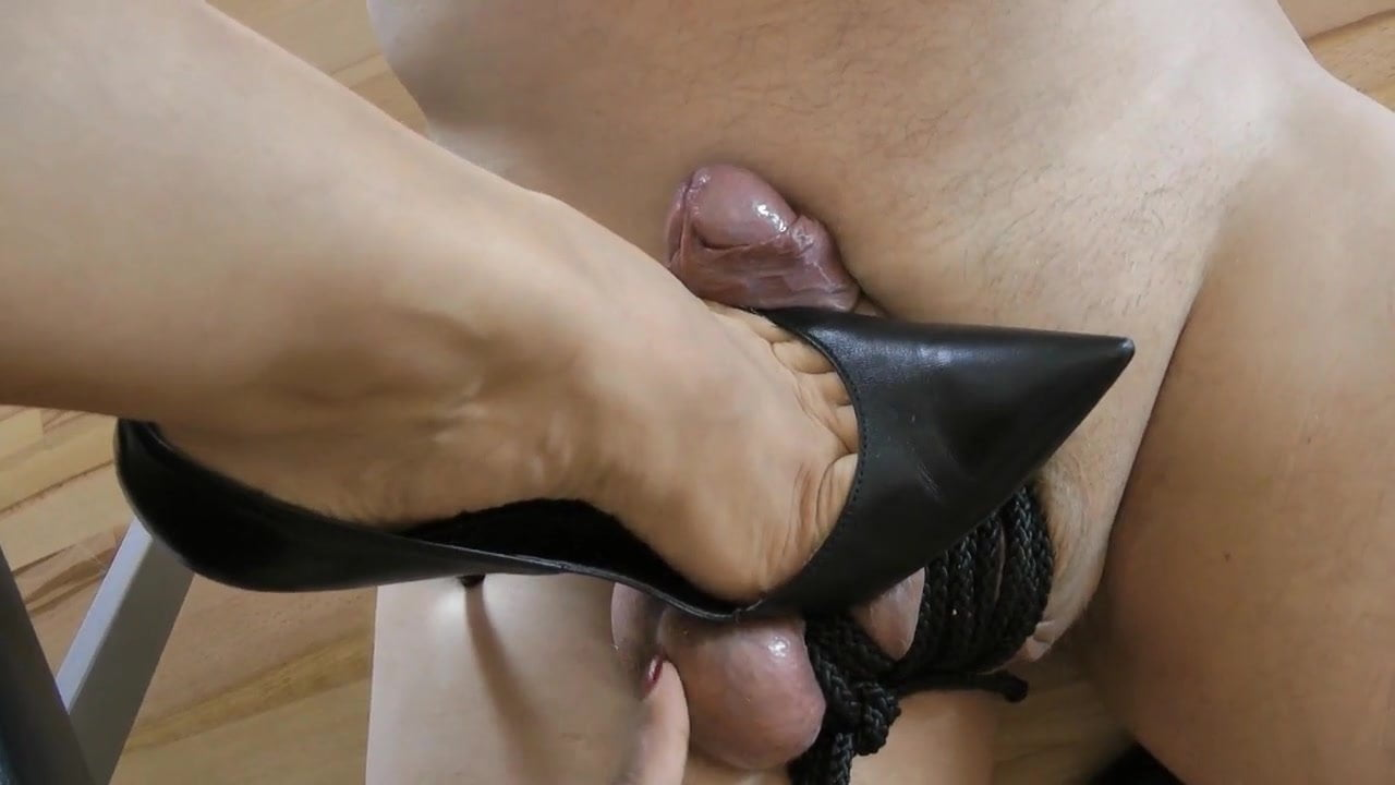 Woman shoes porno — pic 7