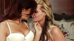 Lesbian Sex 697
