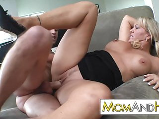 MILF mom Chennin Blanc facialized