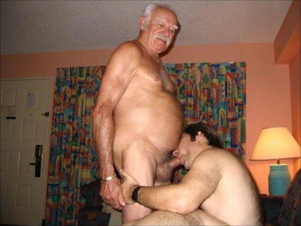 старые мужики трахаются видео училкой, слушай