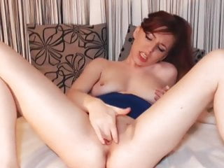 Pretty Brunnete Loves Fapping Her Cunt on Cam