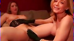 Nina Hartley showing how to finger a girl