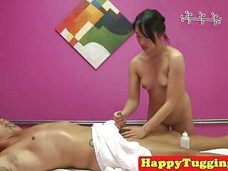 Asian masseuse wanksoff client on spycam