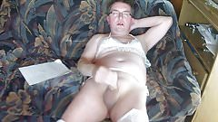 Slave Roberto humilates himself on cam