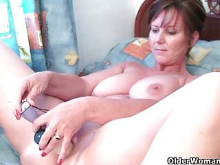 Download video bokep Mom needs to get off after watching online porn Mp4 terbaru