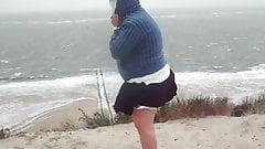 Windy upskirts Teil 17