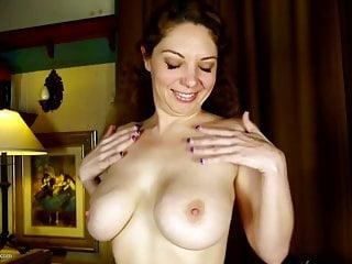Amateur mature mom rubs her clit
